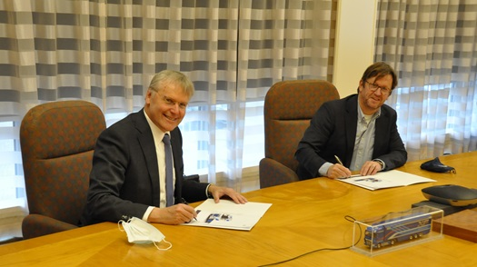 DAF-RENEWI-CF-Electric-Ondertekening
