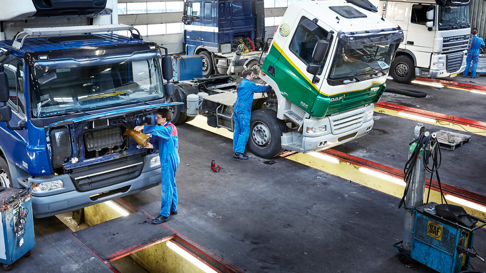 DAF-Genuine-parts-Header-workshop