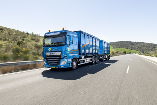 DAF-Trucks-receives-Fleet-Truck-of-the-Year-Award-for-XF-Series-02