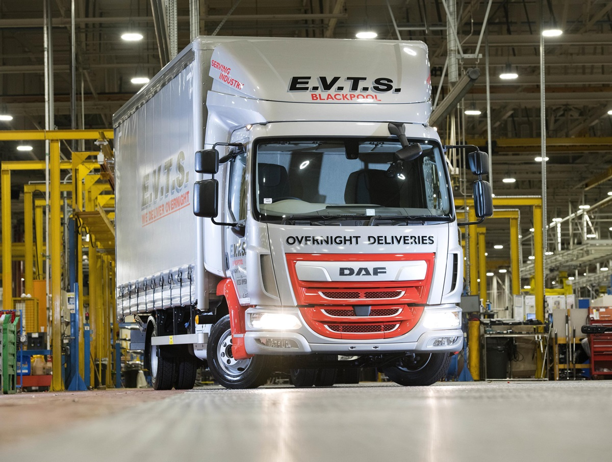 200000th LF built at Leyland Trucks